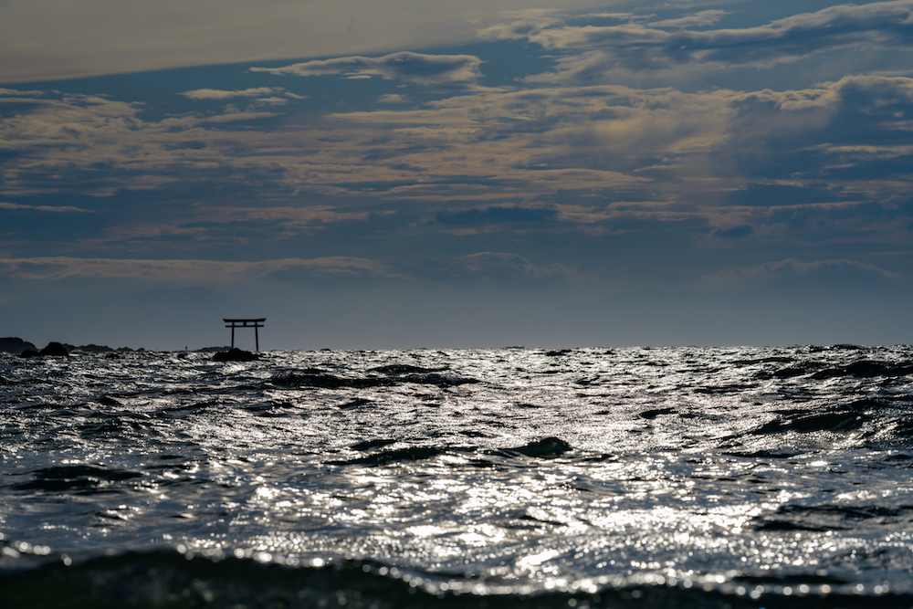 海に浮かぶ神社 SIGMA 単焦点望遠レンズ Art 135mm F1.8 DG HSM