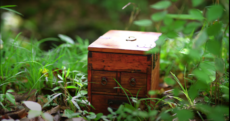 KIMAGUREさん制作の古箱の写真