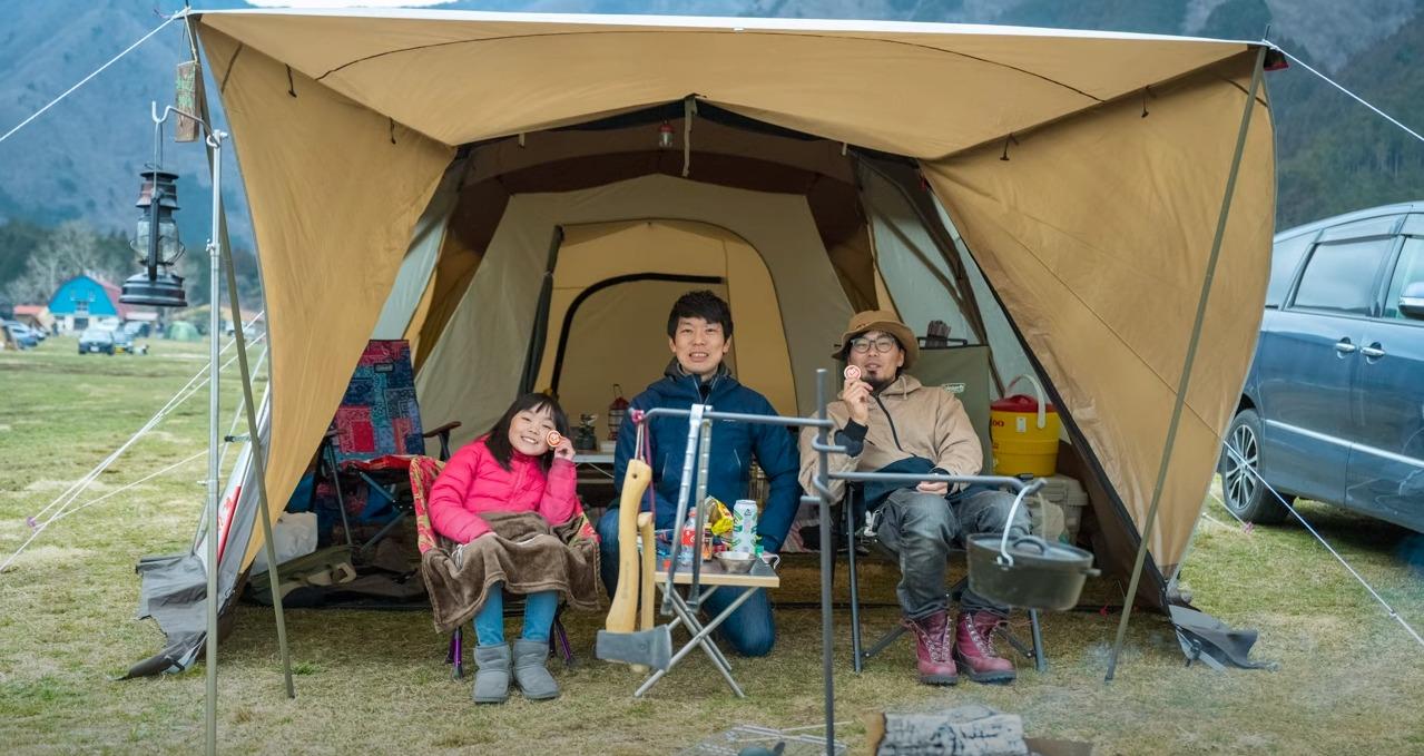 ふもとっぱらキャンプ場での親子キャンパーへの取材を終えた写真